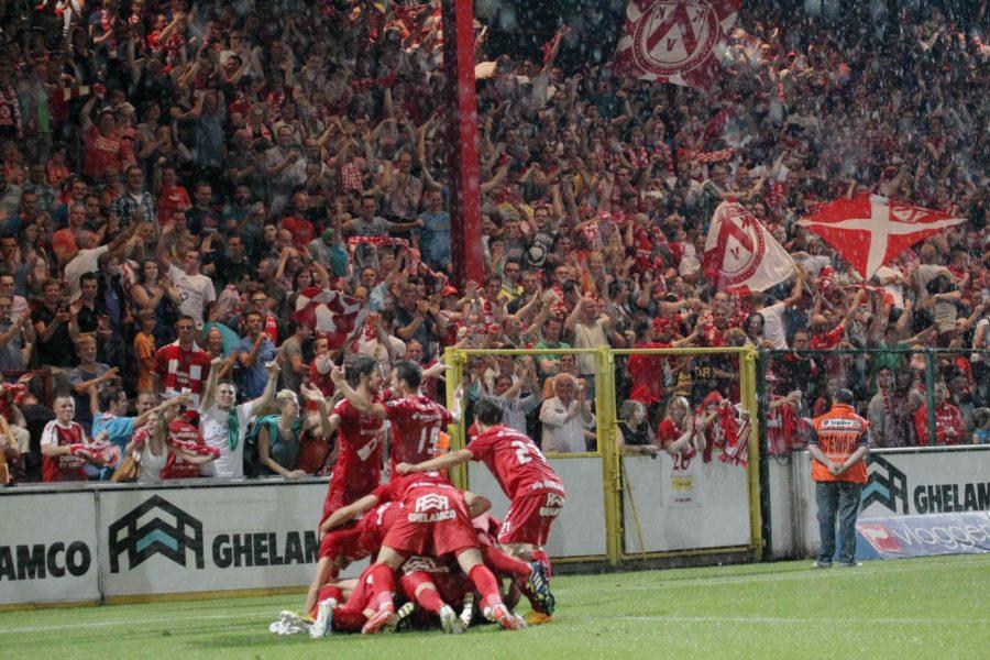 KV Kortrijk – Leuven : Yvan Santini Scoort Foto VDB / BART VANDENBROUCKE