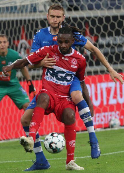AA Gent – KV Kortrijk : Ilomùbe Mboyo Foto VDB / BART VANDENBROUCKE