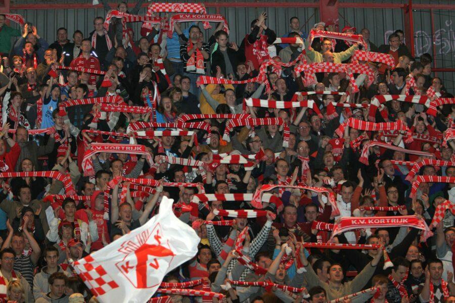 KV Kortrijk Tribune Foto VDB / BART VANDENBROUCKE