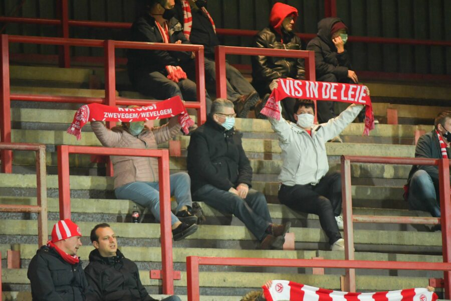 KV KORTRIJK – ANTWERP : Fans In Corona Tijden FOTO VDB / BART VANDENBROUCKE