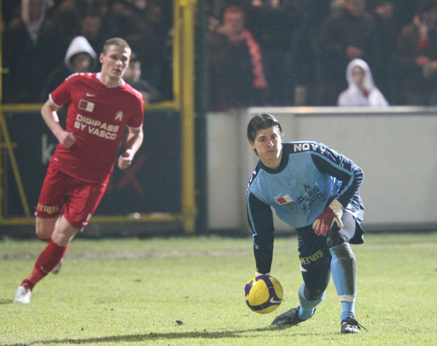 KV Kortrijk – Charleroi : Glenn Verbauwhede Foto VDB / BART VANDENBROUCKE