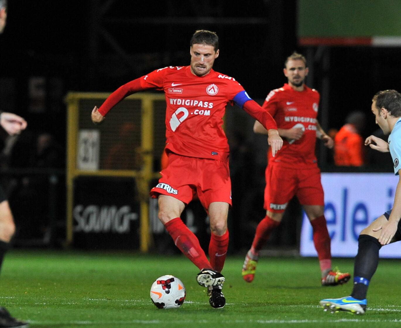 KV Kortrijk – KV Oostende : Nebojsa Pavlovic Foto VDB / Bart Vandenbroucke