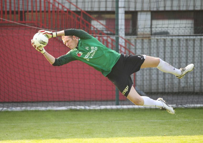 KV Kortrijk : Christophe Van Hout Foto VDB / BART VANDENBROUCKE